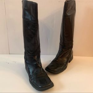 Black Leather Square Top Zippered Insulated Boots
